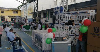 Rectores y directores del municipio de Florencia, recibieron equipos de bioseguridad.